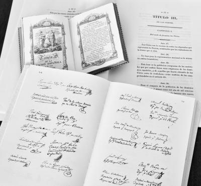 Ejermplares de la Constitución de 1812