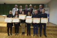 Foto de familia de autoridades y premiados