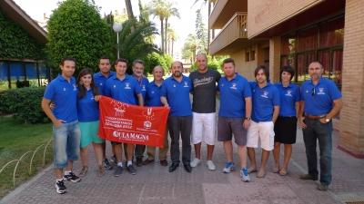 Pepe Reina y Manuel Torres con miembros del Comité Organizador de los Juegos