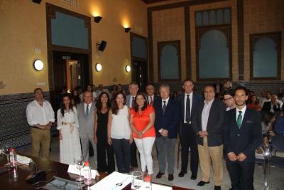 Autoridades asistentes en el Rectorado a la presentación del proyecto