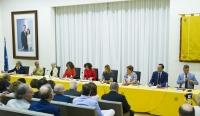 Vista general de las autoridades firmantes del protocolo.