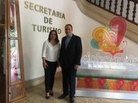 Secretaria de Turismo del Estado de Michoacán, D. Claudia Claves y el Prof. Dr. Ricardo Hernández