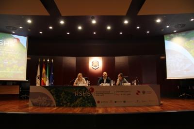 De izquierda a derecha: Dolores C. Pérez Marín, Enrique Quesada Moraga y María José Polo Gómez
