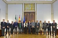 Foto de familia de los rectores andaluces con la presidenta de la Junta de Andalucía