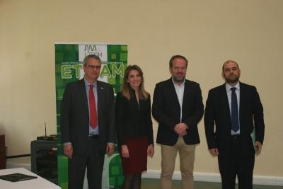 De izq. a dcha., Eduardo Rojas Briales, Rosa María Gallardo Cobos, Francisco de Paula Algar Torres y Enrique Quesada Moraga