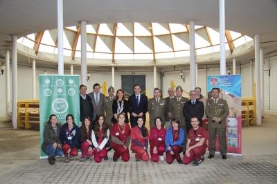 Autoridades y alumnos en la presentación de la parada de sementales