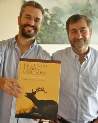 Imagen de la presentación del libro sobre el ciervo y otros ungulados