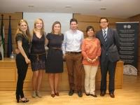 De izquierda a derecha: Celia Roldán, Encarni Muñoz (Coordinadora de Física), Emma Caracuel, José Miguel Carmona, Olga Carabaño y Antonio Sarsa (Vicedecano de la Facultad de Ciencias)