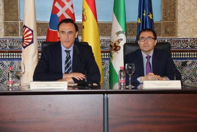José Carlos Gómez Villamandos y Jaroslav Blasko, en el acto inaugural de la exposición