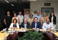 Sentados, segundos y tercero por la izquierda, José Manuel Pingarrón y José Carlos Gómez Villamandos, con integrantes del Comité Ejecutivo de la Sectorial de I+D+i de la CRUE