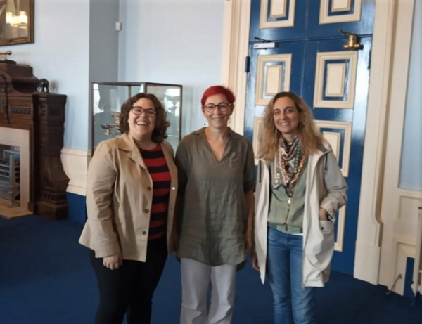 Cristina Huertas Abril, Natividad Adamuz Povedano and Elvira Fernández de Ahumada, investigators of the project